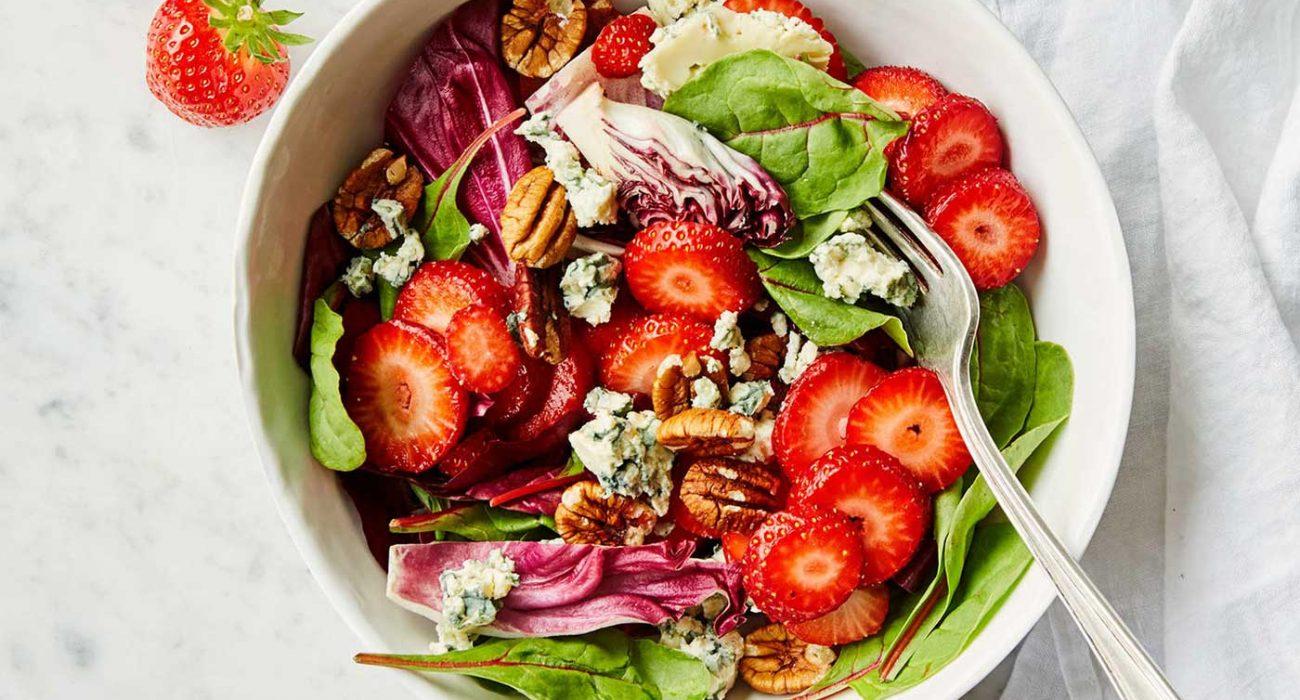 jordbrsalat-med-blamuggost