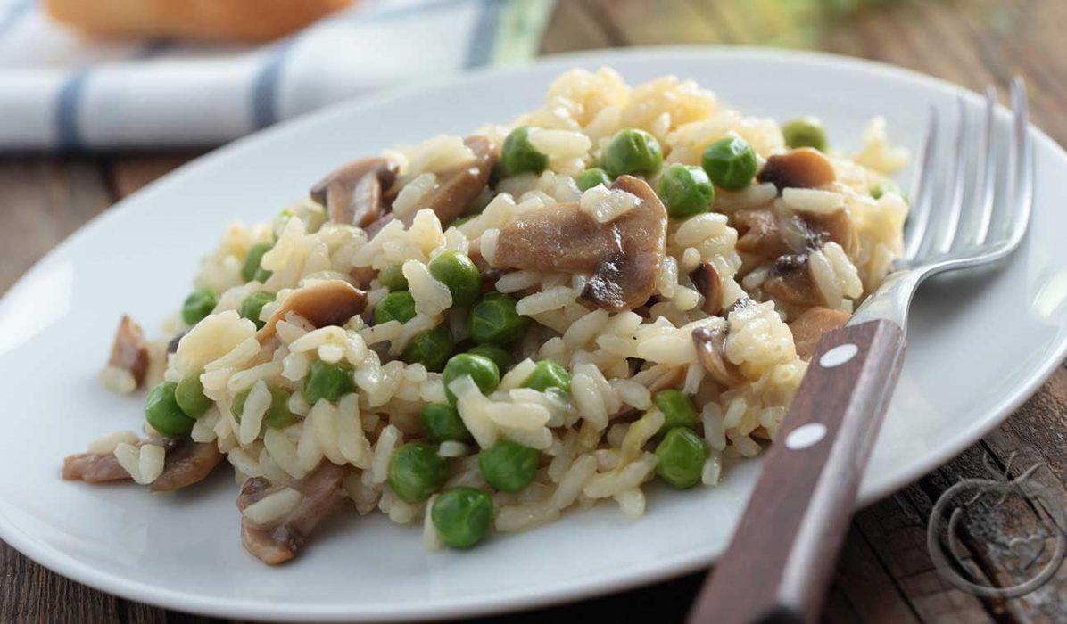 ris-med-erter-og-sopp